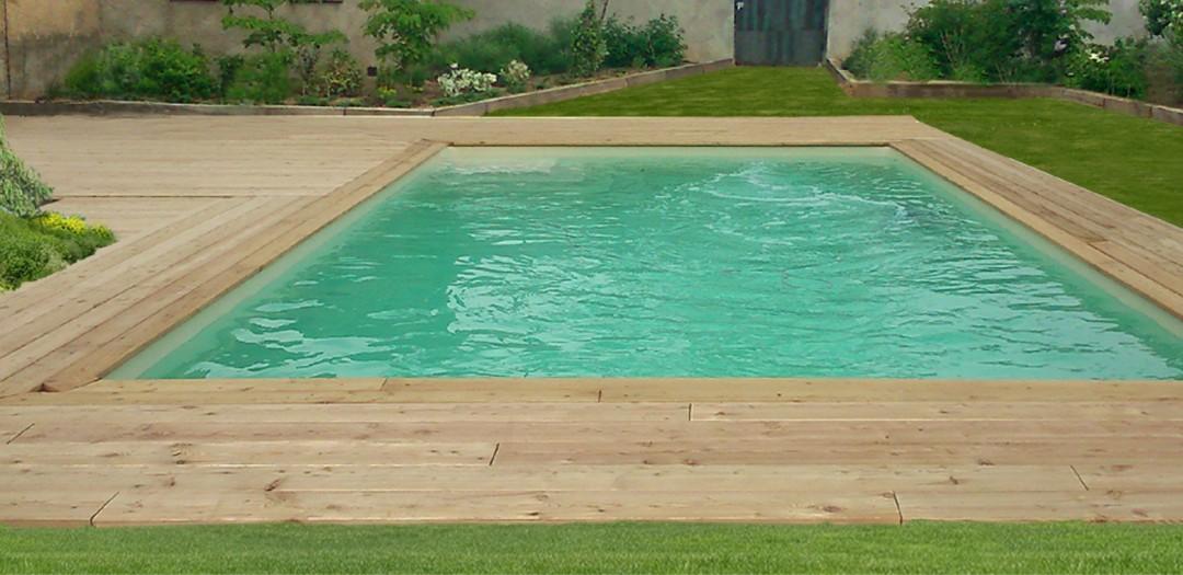 terrasse piscine en meleze