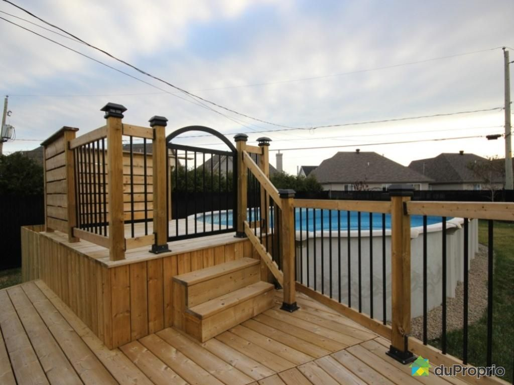 Terrasse piscine hors terre - Construire un deck de piscine hors sol ...
