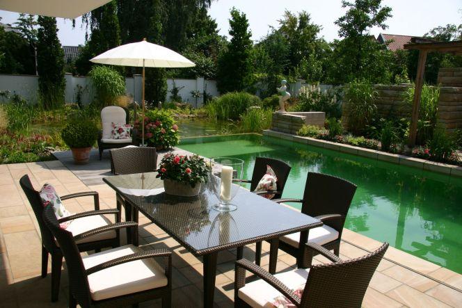 terrasse piscine jardin