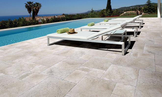 terrasse piscine marbre. Black Bedroom Furniture Sets. Home Design Ideas