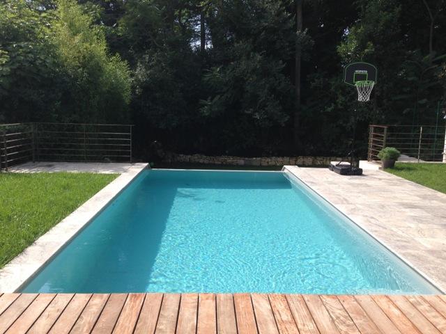 terrasse piscine pierre et bois. Black Bedroom Furniture Sets. Home Design Ideas