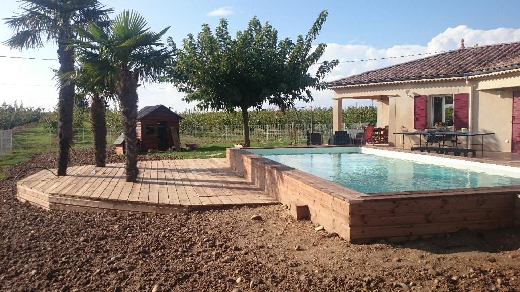 Terrasse piscine semi creusee - Amenagement piscine semi enterree ...