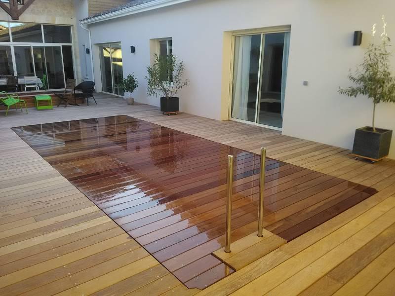 terrasse piscine submersible. Black Bedroom Furniture Sets. Home Design Ideas