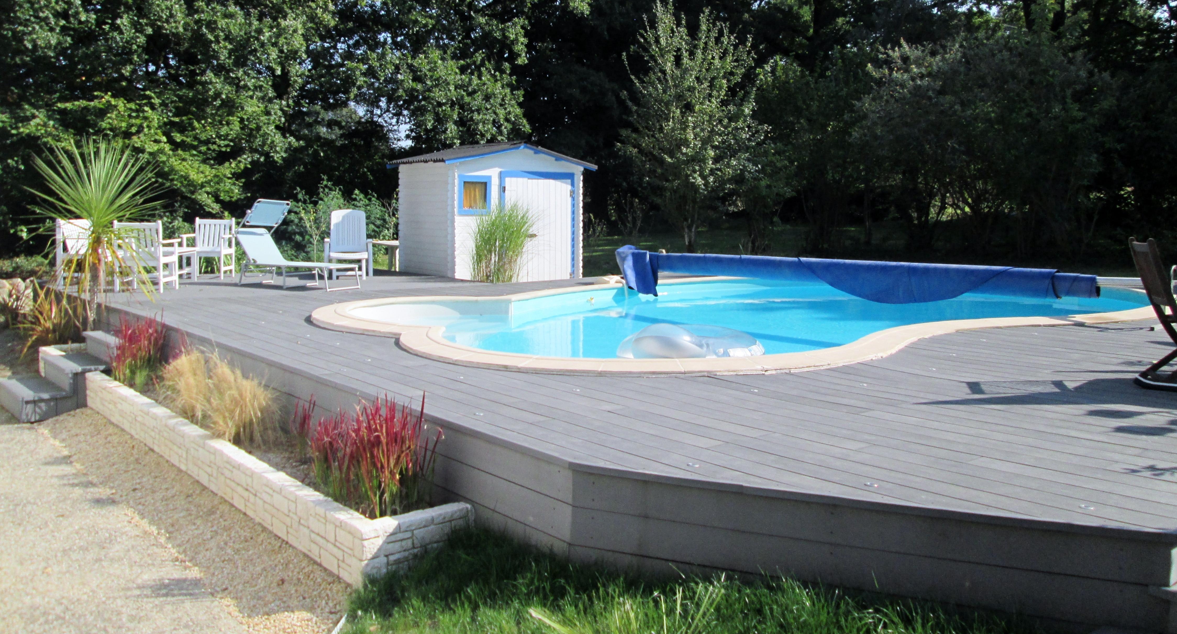 terrasse piscine surelevee