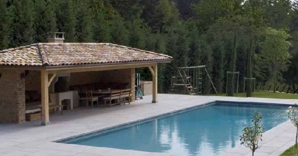 amenagement piscine barbecue
