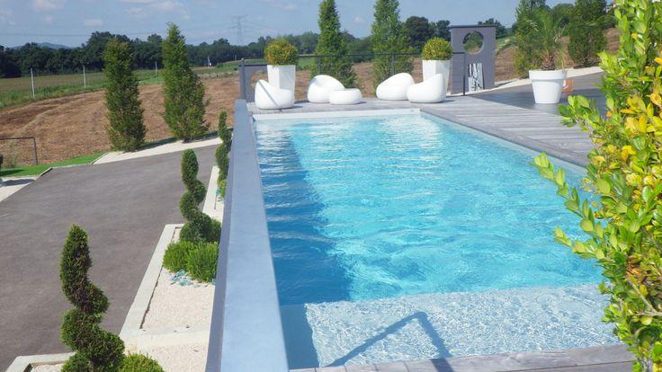amenagement piscine exterieur terrain en pente