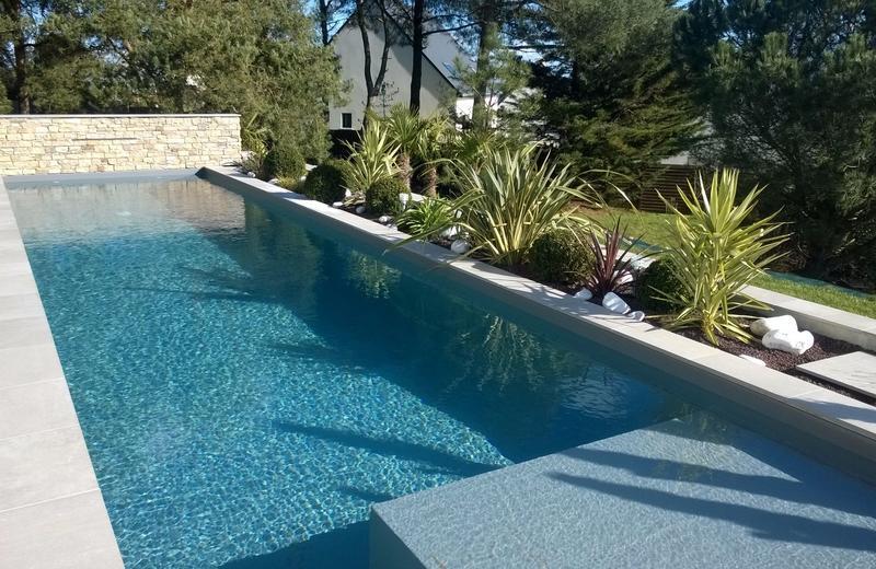 amenagement piscine mediterraneen