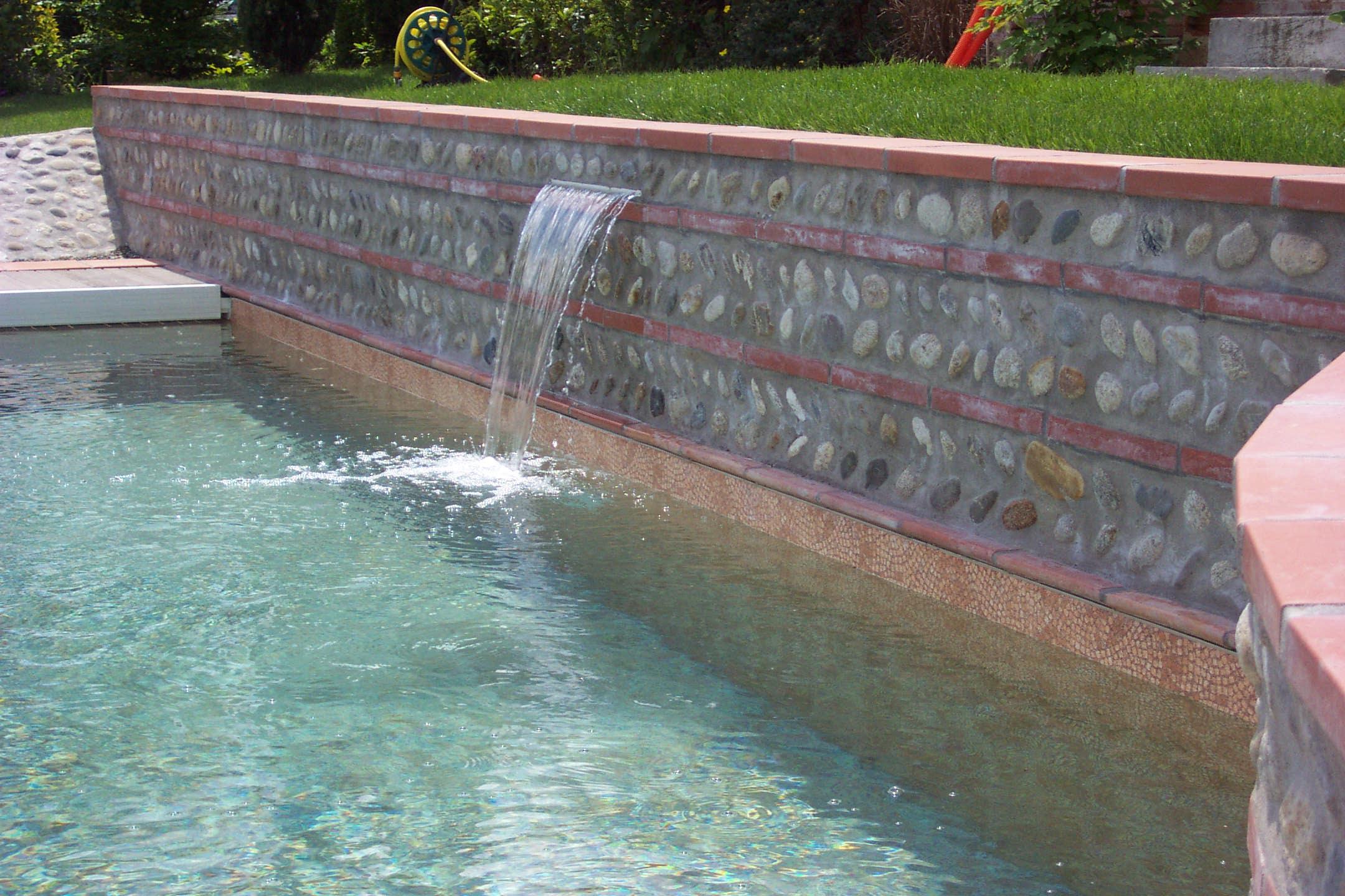cascade piscine desjoyaux