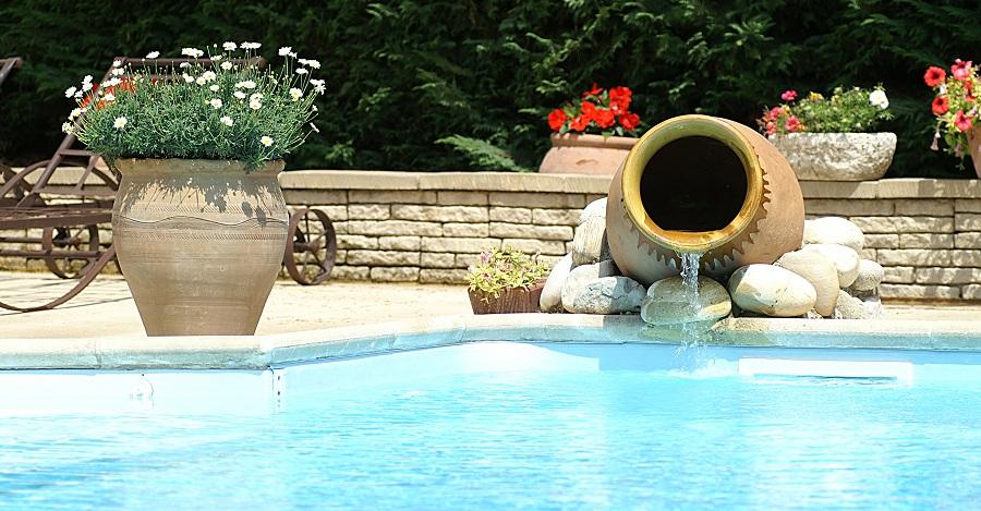 fontaine piscine jarre