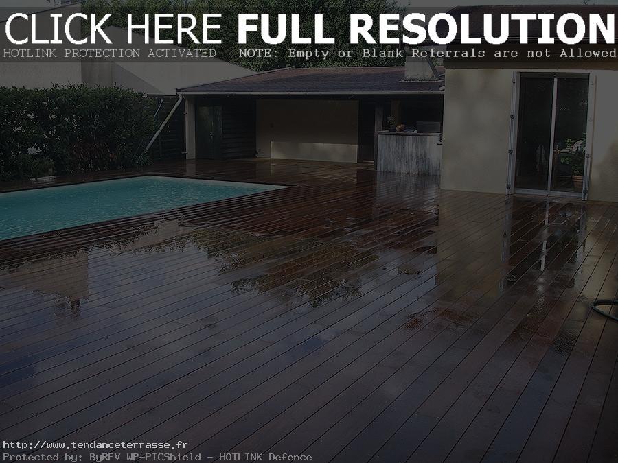 plage piscine bois et carrelage