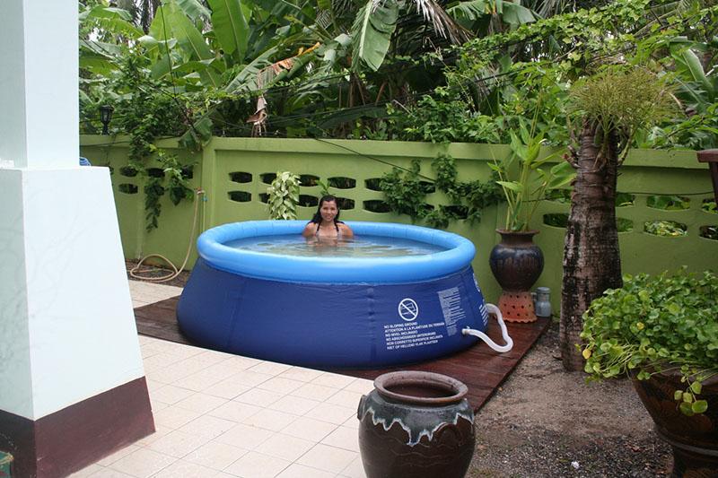 terrasse piscine gonflable
